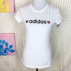 Adidas NWT heart graphic crewneck tee medium